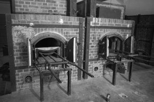 dachau-ovens-bw